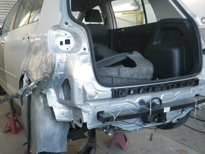 Unfallschaden mit Schäden an der Karosserie, so dass Karosseriearbeiten notwendig sind.